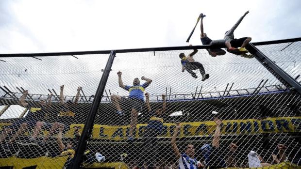 boca-juniors-v-river-plate-copa-conmebol-libertadores-2018-5bf411636ee4bfe853000007.jpg