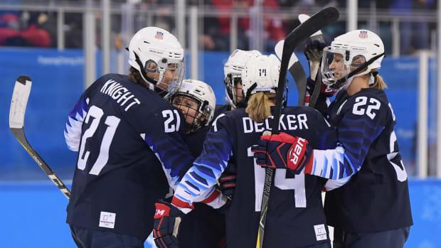 usa-beats-finland-olympic-hockey-womens-semifinal.jpg