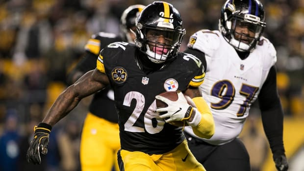 Le'Veon Bell 'Would Definitely Consider' Sitting Out 2018 or Retiring If Given Franchise Tag Again - iMAGE