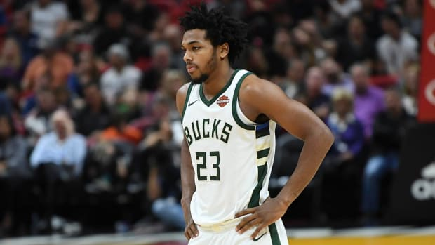 Milwaukee Police Release Disturbing Footage of Sterling Brown's Arrest - IMAGE