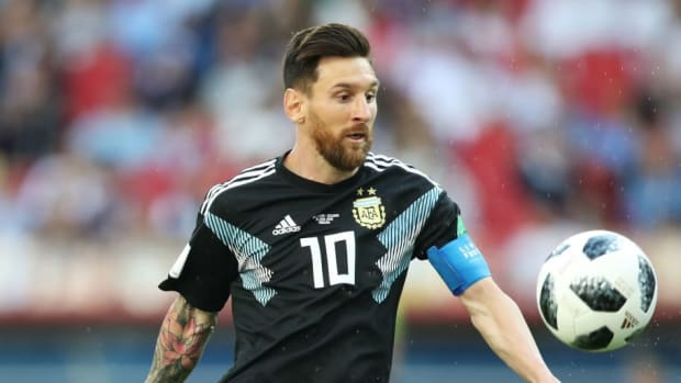 argentina-v-iceland-group-d-2018-fifa-world-cup-russia-5b264a423467acf959000001.jpg