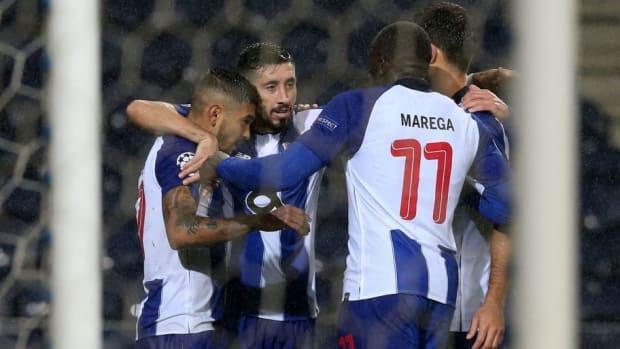 fc-porto-v-lokomotiv-moscow-uefa-champions-league-group-d-5bf065e1605172e1e6000001.jpg