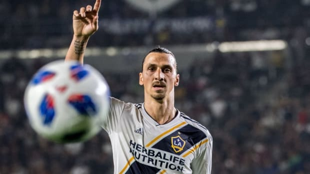 mls-soccer-los-angeles-galaxy-v-los-angeles-fc-5b8a9da9ea94f2d124000001.jpg
