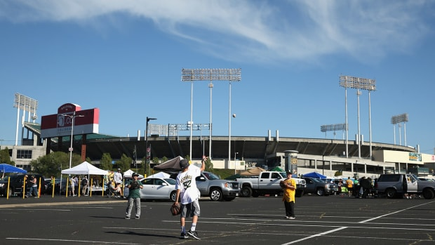 oakland-athletics-openig-day-parking-lot.jpg