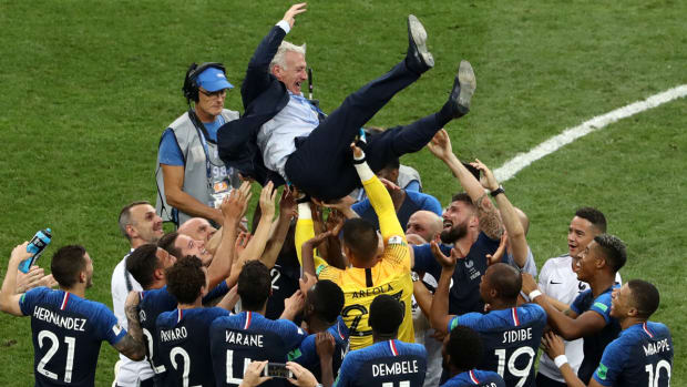 didier-deschamps-france-wins-world-cup.jpg