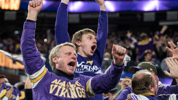 vikings-fans-asked-to-attend-mass.jpg