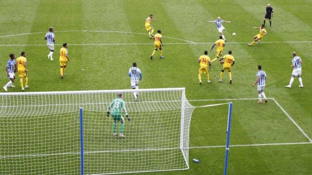 huddersfield-town-v-crystal-palace-premier-league-5bbcc31ba6b3cd832600003d.jpg