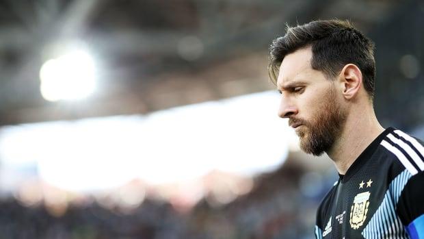 messi-argentina-loses-iceland-croatia.jpg