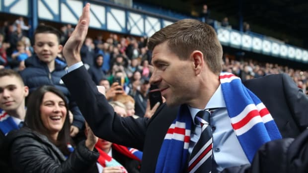 steven-gerrard-is-unveiled-as-the-new-manager-at-rangers-5afd64fb347a024318000016.jpg