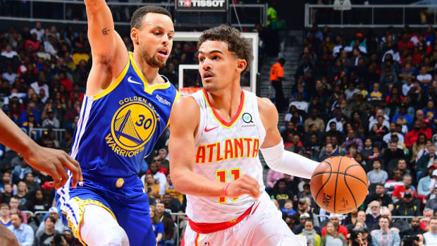trae-young-stephen-curry-hawks-warriors.jpg