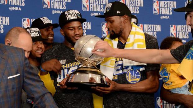 Warriors Heavy Favorites Over Cavaliers in NBA Finals