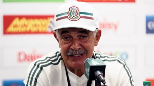 mexico-press-conference-and-training-session-5b92a178f7f011dc69000001.jpg