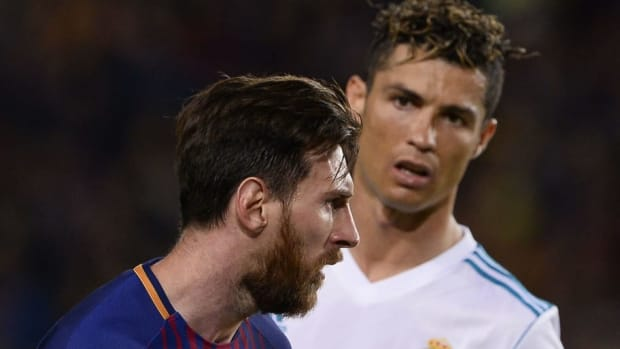topshot-fbl-esp-liga-barcelona-real-madrid-5b582572347a02a6dd000026.jpg