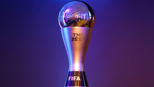 fifa-best-award-trophy.jpg