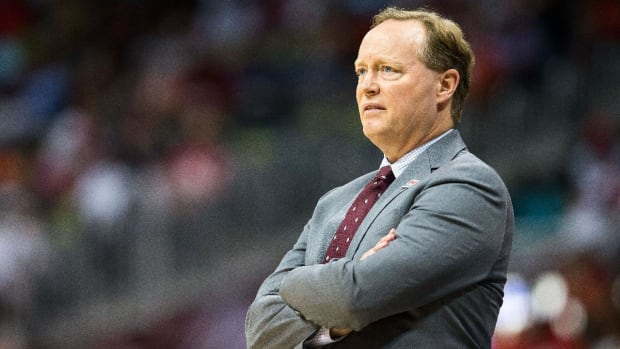Report: Bucks Hire Mike Budenholzer as Head Coach - IMAGE