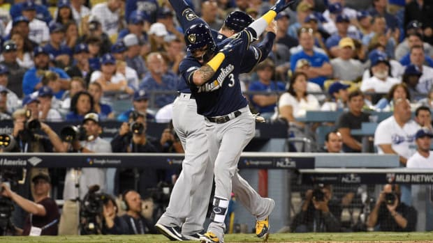 brewers-dodgers-nlcs-game-4.jpg