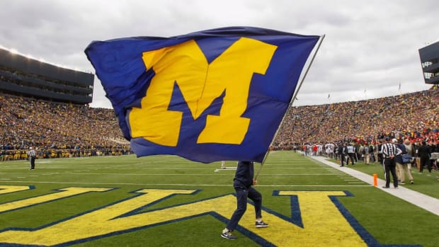 Michigan Investigating Potential Shoe Resales by Players - IMAGE