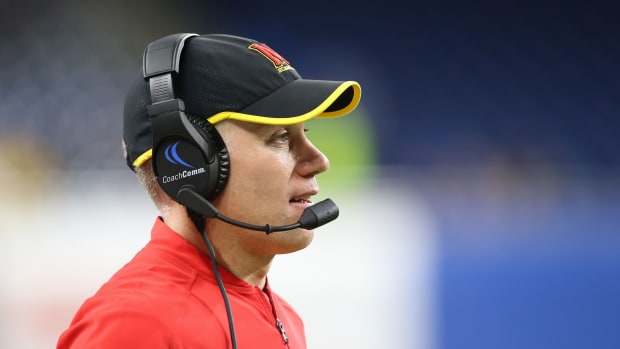 maryland-players-defend-dj-durking.jpg