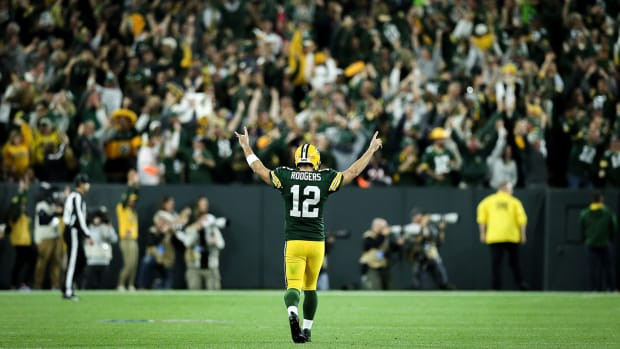 aaron-rodgers-brett-favre-documentary-year-in-the-life.jpg