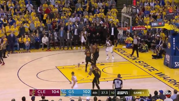 lebron-james-kevin-durant-controversial-call.jpg
