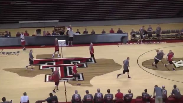 monday-hot-clicks-texas-tech-fantasy-basketball-camp-justin-ferris-video.png