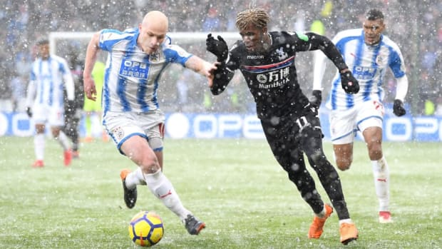 huddersfield-town-v-crystal-palace-premier-league-5b9a28fc29dc8409cd000001.jpg