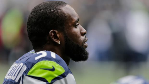 Seahawks Safety Kam Chancellor Announces Retirement Following Serious Neck Injury--IMAGE