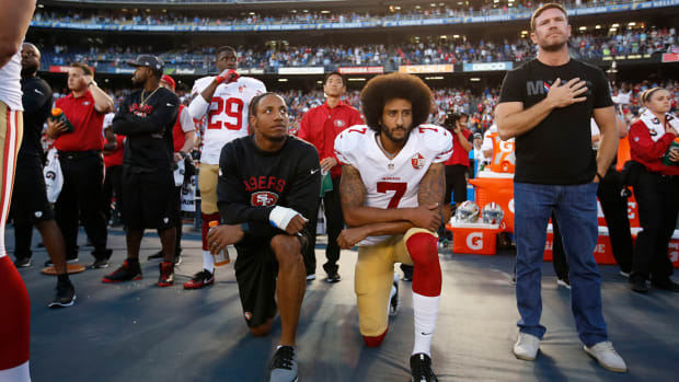 why-do-nfl-players-kneeling-during-national-anthem.jpg