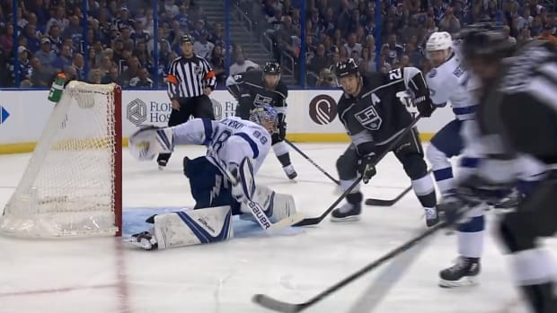 andrei-vasilevskiy-lightning-anze-kopitar-save-video.png