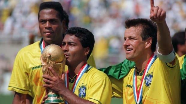 soccer-world-cup-1994-brazil-romario-trophy-5af1c4a67134f69bae000001.jpg
