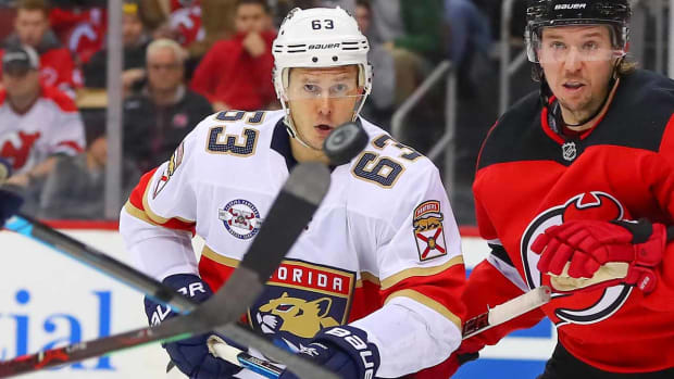 evgenii-dadonov-florida-panthers-career-nickname-daddy.jpg
