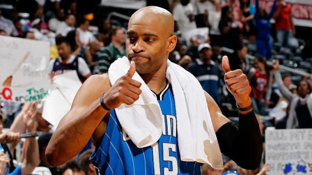 Vince Carter Signs With Atlanta Hawks--IMAGE