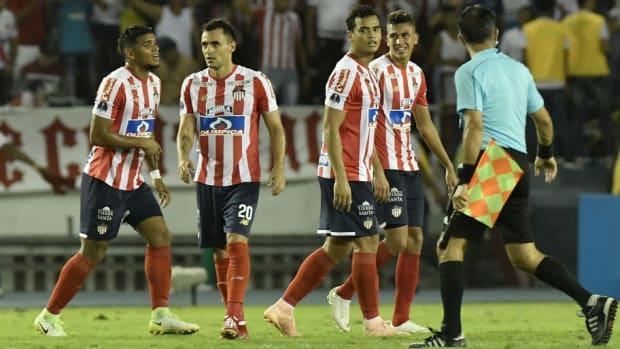 junior-v-independiente-santa-fe-copa-conmebol-sudamericana-2018-5c0752f93d3f02761d000001.jpg