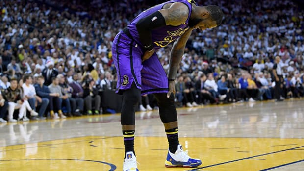 lebron-james-injury-expected-miss-several-games.jpg