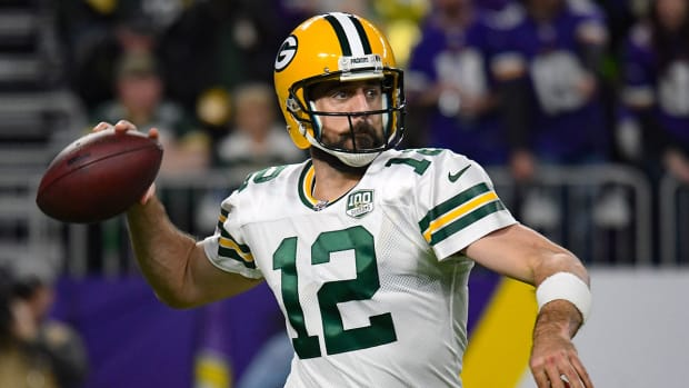 aaron-rodgers-packers-cards.jpg