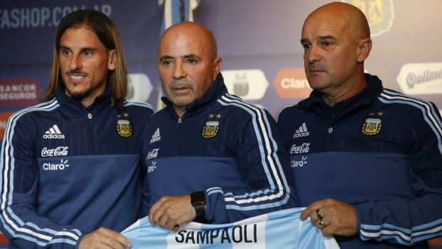 argentina-unveils-jorge-sampaoli-as-new-coach-5b3bf1b13467ace27d00002d.jpg