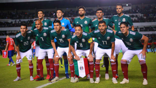 mexico-v-chile-international-friendly-5be31c27aa61f47cd1000001.jpg