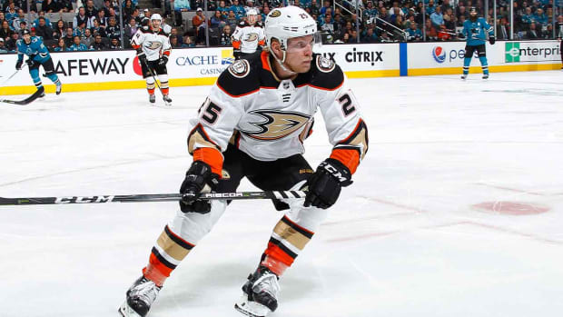 ondrej-kase-ducks-contract-nhl-free-agent-1300.jpg