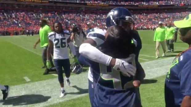 shaquem-griffin-hugs-mom.jpg