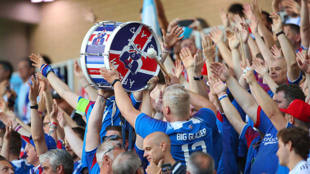hot-clicks-iceland-fans-world-cup-argentina.jpg