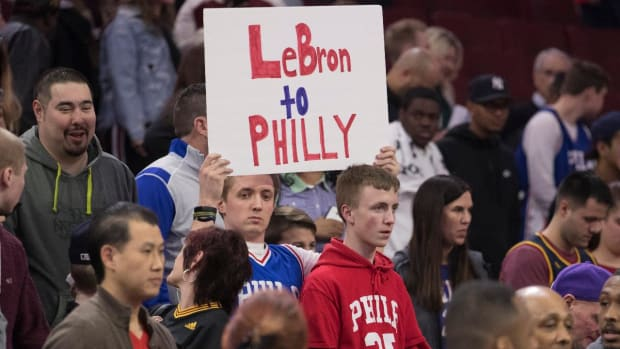 Report: Sixers To Meet With LeBron James' Reps; LBJ Won't Attend - IMAGE