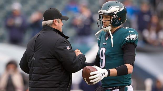 doug-pederson-nick-foles-philadelphia-eagles.jpg