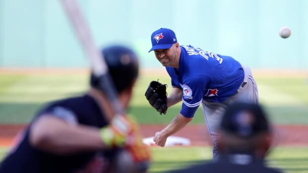 Yankees Acquire All-Star Pitcher J.A. Happ from Blue Jays - IMAGE