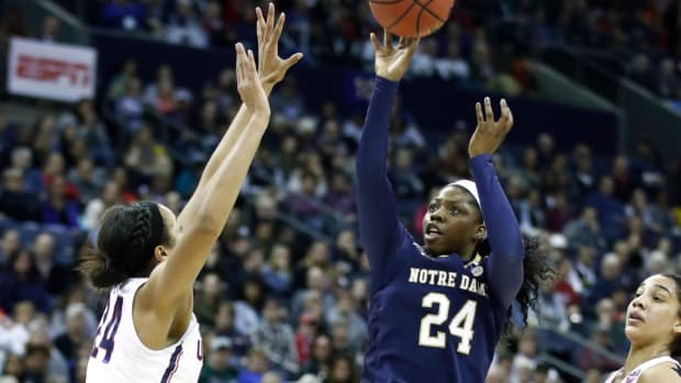 No.1 Notre Dame Upsets No. 1 UConn in Overtime to Advance to Women's Championship Game--IMAGE
