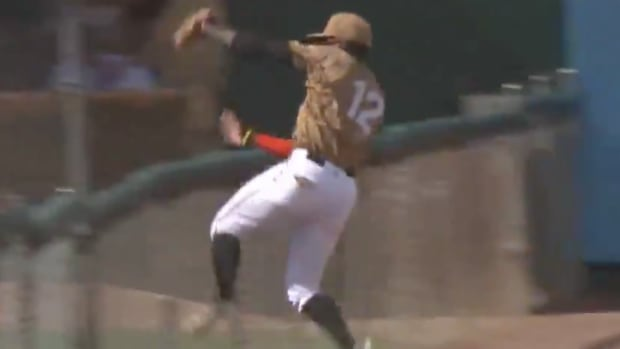 rangers-minor-leaguer-catch.png