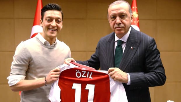 Mesut Ozil Says He Won't Play for Germany After Racism and Disrespect  - IMAGE