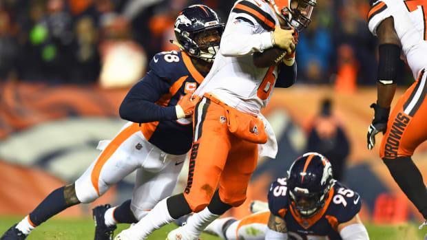 Denver Broncos outside linebacker Von Miller (58) sacks Cleveland Browns quarterback Baker Mayfield (6) in the third quarter at Broncos Stadium at Mile High.