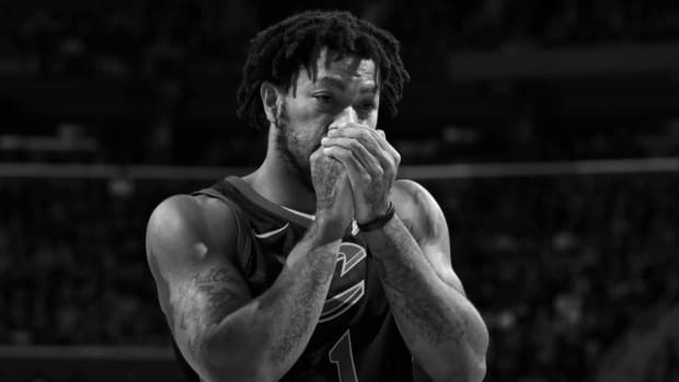 Report: Former MVP Derrick Rose Goes Unclaimed on Waivers - IMAGE