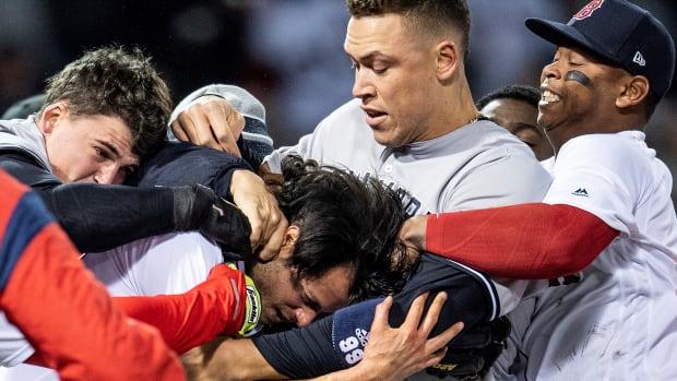 yankees-red-sox-brawl-video-hot-clicks.jpg