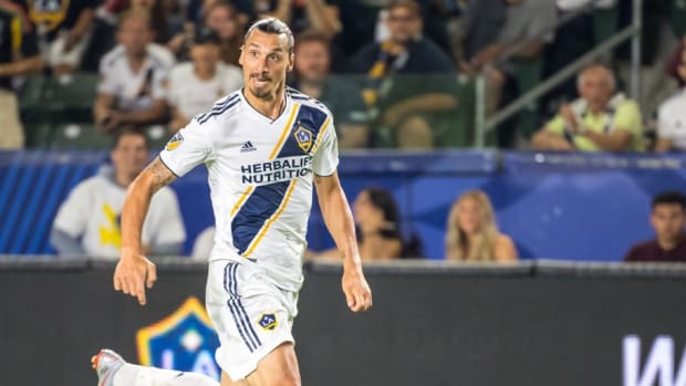 mls-soccer-los-angeles-galaxy-v-colorado-rapids-5ba65ea8e0f880d175000001.jpg